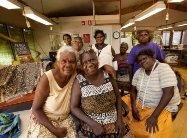 "Tiwi Tours operates atour to Bathurst and Melville Islands where visitors get to visit the ""morning tea ladies"" who tell them about local customs, show them arts and craft such as weaving and perform dancing with family members. They also visit craft centres - Tiwi Designs and Bima Wear Bima Wear women: (front) Noreen Kerinauia, Lucia Pilakui, Marita Kantilla; (behind) Margaret Rose Kantilla, Carmel Kantilla, Antoinette Tipaloura, Genivieve Portamini, Rita Kerinarua."