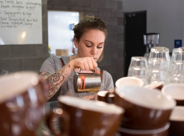 Besser Brew bar Darwin - coffee food alimentation