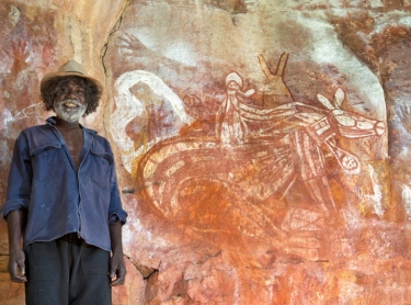 Warddeken IPA - Arnhem Land - survey of rock art in the Kunbambuk estate - Samuel Namundja, custodian of the Kardbam rock art complex - horse and balander from contact period