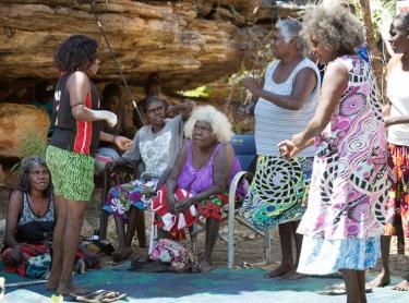 Warddeken IPA Arnhem Land plateau indigenous land management Aboriginal culture indigenous rock art contact images