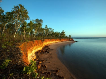 Venture North tourism on Cobourg Peninsula and through Arnhem Land. The tour takes visitors to the Garik Gunak Barlu national park, Oenpelli rock art sites at Karnbalunya and Mamukala in Kakadu NP. Cliffs and beaches at Port Essington, Cobourg Peninsula -