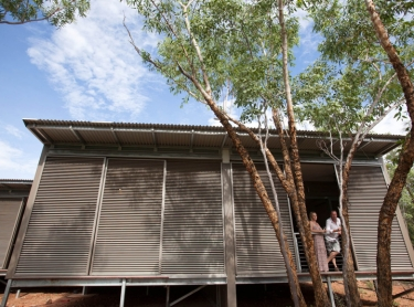 Nitmiluk NP - Cicada Lodge tourism resort - tourism destination - rooms are enclosed by sliding louvred walls